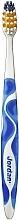 Парфюмерия и Козметика Твърда четка за зъби с капачка, синя - Jordan Advanced Toothbrush