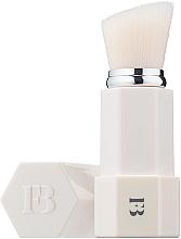 Парфюмерия и Козметика Четка за пудра - Fenty Beauty by Rihanna Portable Touch Up Brush