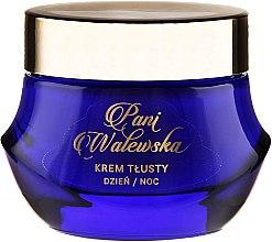Парфюмерия и Козметика Регенериращ, изглаждащ и подхранващ крем - Pani Walewska Classic Rich Day and Night Cream