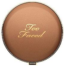 Парфюмерия и Козметика Бронзант за лице - Too Faced Chocolate Soleil Matte Bronzer