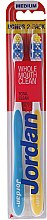 Парфюми, Парфюмерия, козметика Комплект четки за зъби, жълта+синя - Jordan Total Clean Medium