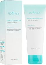 Парфюмерия и Козметика Балансираща пяна за чувствителна кожа - IsNtree Sensitive Balancing Cleansing Foam