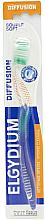 "Парфюмерия и Козметика Четка за зъби ""Diffusion"" мека, зелена - Elgydium Diffusion Soft Toothbrush"