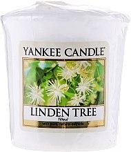 "Парфюми, Парфюмерия, козметика Ароматна свещ ""Липа"" - Yankee Candle Scented Votive Linden Tree"