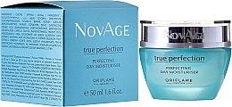 Парфюми, Парфюмерия, козметика Дневен овлажняващ крем за съвършена кожа - Oriflame NovAge True Perfection