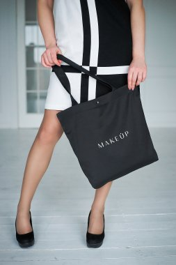 Черна чанта (38 х 39,5 х 8,7 см) - MakeUp  — снимка N3