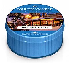 Парфюмерия и Козметика Ароматна чаена свещ - Kringle Candle Christmas Market