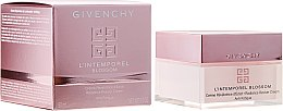 Парфюми, Парфюмерия, козметика Крем за лице - Givenchy L`Intemporel Blossom Anti Fatigue Day Cream