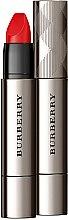 Парфюмерия и Козметика Червило-стик за устни - Burberry Full Kisses Shaped & Full Lips Long Lasting Lip Colour