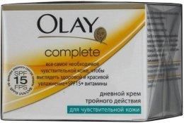 Парфюмерия и Козметика Дневен крем с тройно действие за чувствителна кожа - Olay Complete Day Cream