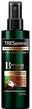 Парфюмерия и Козметика Подхранващ и хидратиращ спрей за коса - Tresemme Botanique Nourish & Replenish Hydrating Detangling Mist
