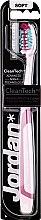 Парфюмерия и Козметика Четка за зъби, розово-бордова - Jordan Tandenborstel Expert Clean Soft
