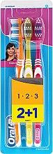 Парфюми, Парфюмерия, козметика Комплект четки за зъби, оранжева + жълта + розова - Oral-B Classic Toothbrush Medium 2 + 1