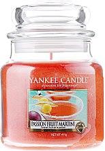 Парфюми, Парфюмерия, козметика Свещ в стъклено бурканче - Yankee Candle Passion Fruit Martini