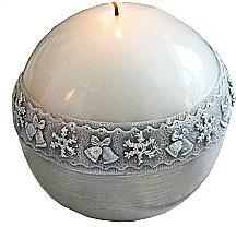 Парфюмерия и Козметика Декоративна свещ, топка, бяла, 10 см - Artman Christmas Time