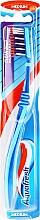 Парфюмерия и Козметика Четка за зъби, средно твърда, синя - Aquafresh Clean Deep Medium