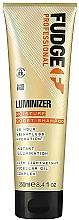 Парфюмерия и Козметика Овлажняващ шампоан за защита на цвета - Fudge Luminizer Moisture Boost Shampoo