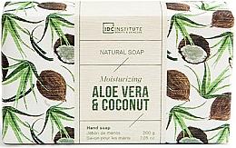 Парфюмерия и Козметика Сапун с алое вера и кокос - IDC Institute Moisturizing Hand Natural Soap Aloe Vera & Coconut
