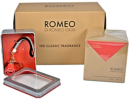 Парфюми, Парфюмерия, козметика Romeo Gigli Classic - Комплект (парф. вода/100ml + ключодържател)