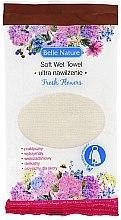 Парфюмерия и Козметика Влажна памучна кърпа с аромат на цветя - Belle Nature Soft Wet Towel