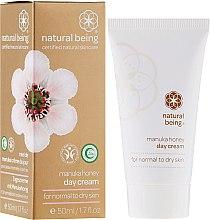 Парфюми, Парфюмерия, козметика Дневен крем за лице за нормална и суха кожа - Natural Being Manuka Honey Day Cream