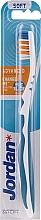 Парфюмерия и Козметика Четка за зъби мека Advanced, бяло-синя - Jordan Advanced Soft Toothbrush
