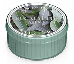 Парфюмерия и Козметика Ароматна чаена свещ - Kringle Candle Daylight Eucalyptus Mint