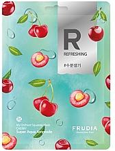 Парфюмерия и Козметика Освежаваща памучна маска за лице с череша - Frudia My Orchard Squeeze Mask Cherry