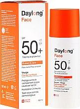 Парфюми, Парфюмерия, козметика Слънцезащитен флуид за лице - Daylong Protect & Care Face Fluid SPF 50