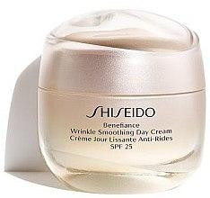 Парфюми, Парфюмерия, козметика Дневен крем за лице - Shiseido Benefiance Wrinkle Smoothing Cream SPF 25