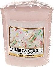"Парфюмерия и Козметика Ароматизираща свещ ""Бисквити"" - Yankee Candle Rainbow Cookie Votive Candle"
