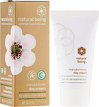 Парфюми, Парфюмерия, козметика Дневен крем за лице за нормална и мазна кожа - Natural Being Manuka Honey Day Cream