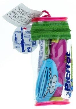 """Детски комплект """"Акула"""", син + малинов - Pierrot Kids(четка за зъби/1бр. + гел за зъби/25ml + преса за изцежд. на тубата/1шт.) — снимка N1"""