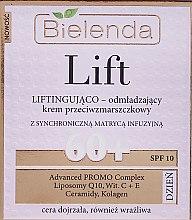 Парфюми, Парфюмерия, козметика Дневен подмладяващ лифтинг крем против бръчки 60+ - Bielenda Lift Lifting and Rejuvenating Anti-wrinkle Day Cream SPF 10