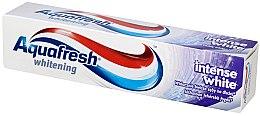 Парфюмерия и Козметика Избелваща паста за зъби - Aquafresh Whitening Intense White Toothpaste
