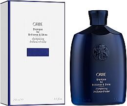 Парфюмерия и Козметика Шампоан за коса за допълнителен блясък - Oribe Brilliance & Shine Shampoo