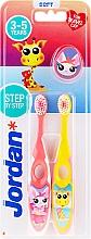 Парфюмерия и Козметика Детски четки за зъби, 3-5 год., розова+жълта, с жираф - Jordan Step By Step Soft Clean