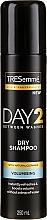 Парфюмерия и Козметика Сух шампоан за нормална и мазна коса - Tresemme Day 2 Volumising Dry Shampoo