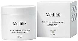 Парфюмерия и Козметика Пачове със салицилова киселина - Medik8 Blemish Control Pads