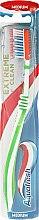 Парфюми, Парфюмерия, козметика Четка за зъби средно твърда - Aquafresh Extreme Clean Medium