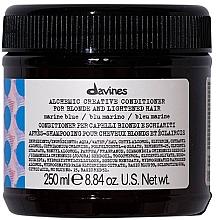 Парфюмерия и Козметика Балсам за естествено светла и боядиса коса (морскосиньо) - Davines Alchemic Conditioner Marine Blue