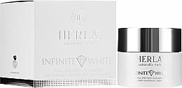 Парфюмерия и Козметика Дневен крем за лице - Herla Infinite White Total Spectrum Anti-Aging Day Therapy Whitening Cream SPF 15