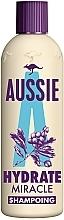 Парфюмерия и Козметика Шампоан за увредена коса - Aussie Miracle Moist Shampoo